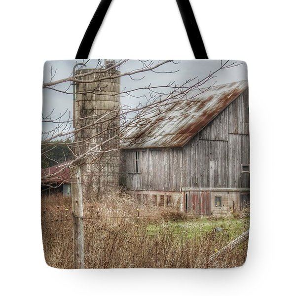 0008 - Churchill Christmas Barn Tote Bag