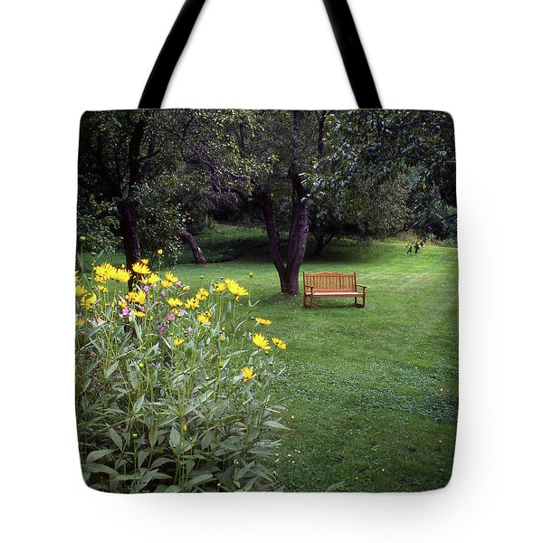 Churchyard Bench - Woodstock, Vermont Tote Bag