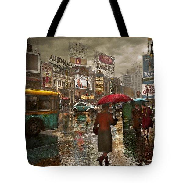 City - Ny - Times Square On A Rainy Day 1943 Tote Bag
