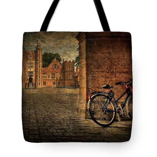 City Wheels Tote Bag by Evelina Kremsdorf