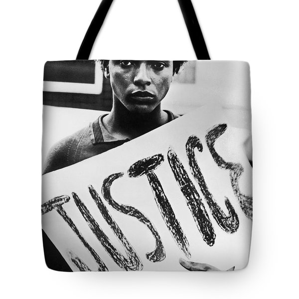 Tote Bag featuring the photograph Civil Rights, 1961 by Granger