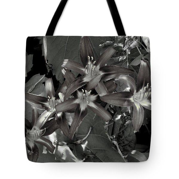Classic Daylily Tote Bag