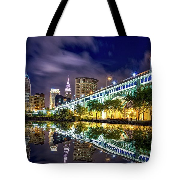 Tote Bag featuring the photograph Cleveland Skyline 4 by Emmanuel Panagiotakis