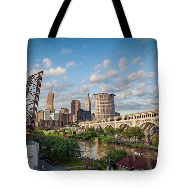 Cleveland Skyline Vista Tote Bag