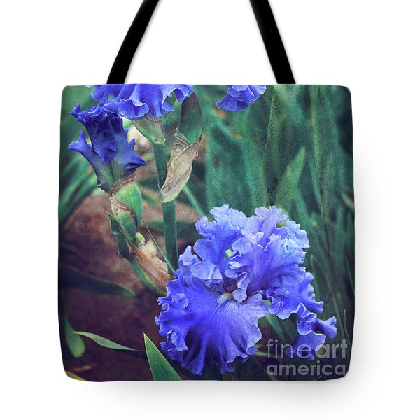 Tote Bag featuring the photograph Close To Heaven by Linda Lees