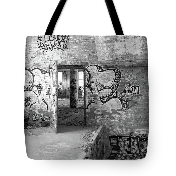 Clothcraft In Black And White Tote Bag