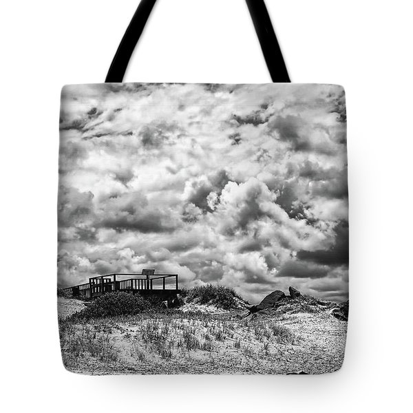 Tote Bag featuring the photograph Cloudy Beach Black And White By Kaye Menner by Kaye Menner