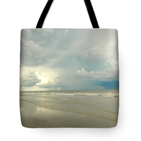 Tote Bag featuring the photograph Coco Beach by Raymond Earley