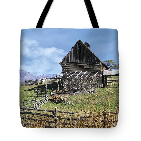 Colorado Rocky Mountain Vintage Barn   Tote Bag