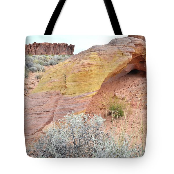Tote Bag featuring the photograph Colorful Arch In North Valley Of Fire by Ray Mathis