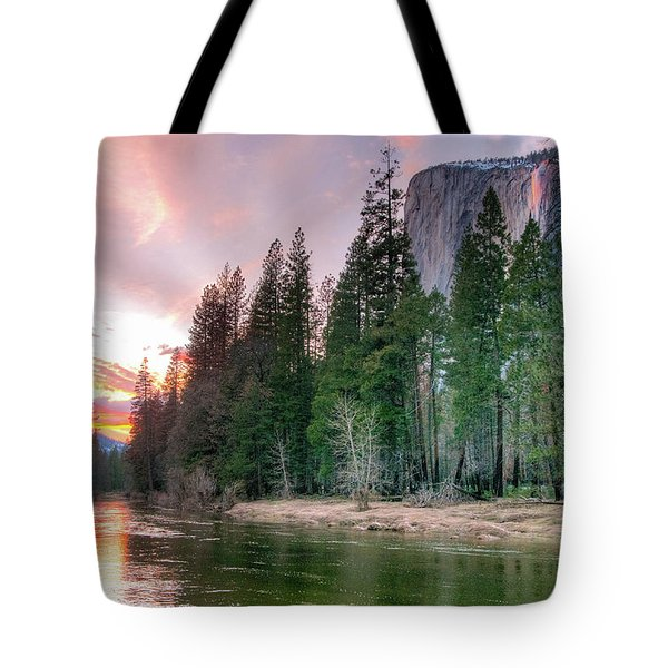 Colorful Sunset Horsetail Falls Glow 2017 Tote Bag