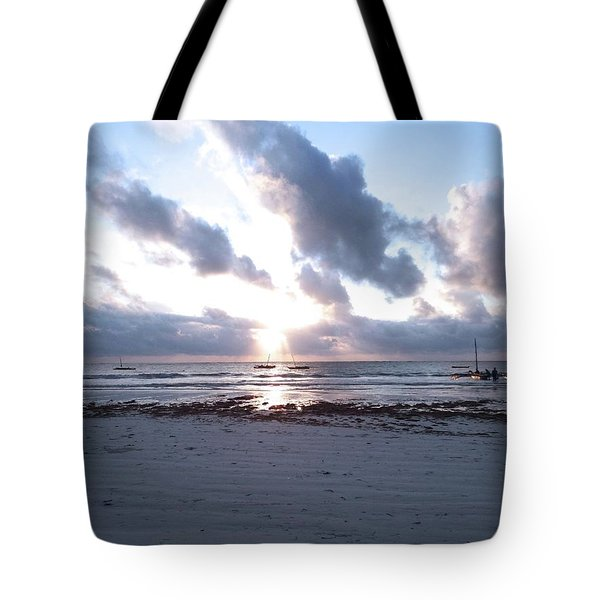 Coloured Sky - Sun Rays And Wooden Dhows Tote Bag