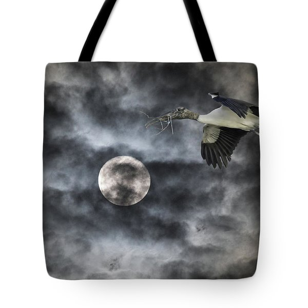 Tote Bag featuring the photograph Coming Home by Richard Goldman