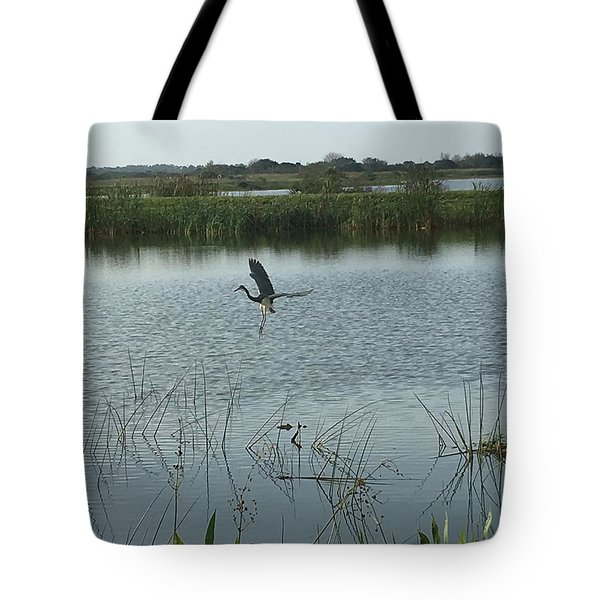 Tote Bag featuring the photograph Coming In For A Landing by Kay Gilley