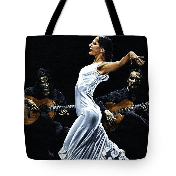 Concentracion Del Funcionamiento Del Flamenco Tote Bag by Richard Young