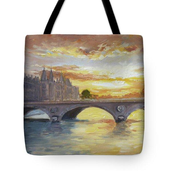 Conciergerie, Paris Tote Bag