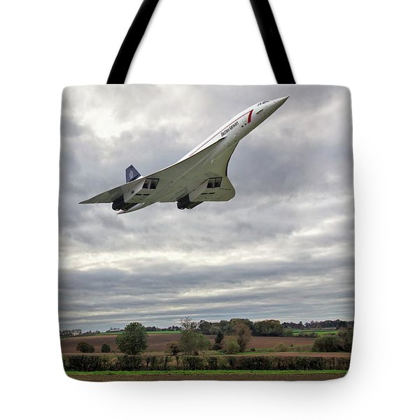 Tote Bag featuring the photograph Concorde - High Speed Pass_2 by Paul Gulliver