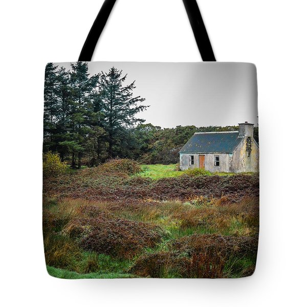 Cottage In The Irish Countryside Tote Bag