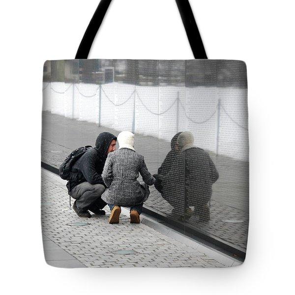 Couple At Vietnam Wall Tote Bag