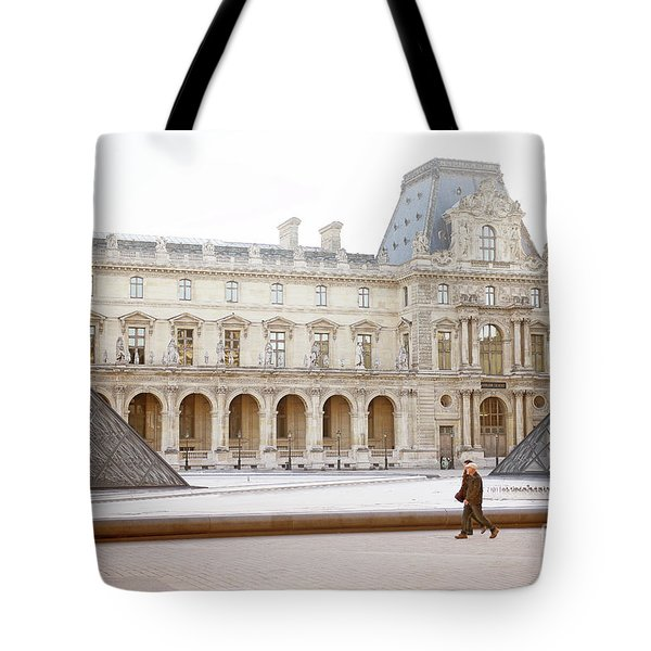 Tote Bag featuring the photograph Couple Strolling At Louvre Museum  by Ivy Ho
