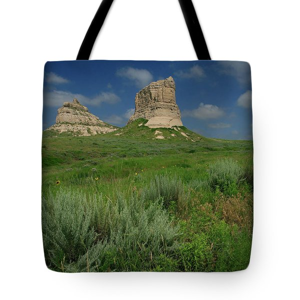 Courthouse And Jail Rock In Nebraska Tote Bag