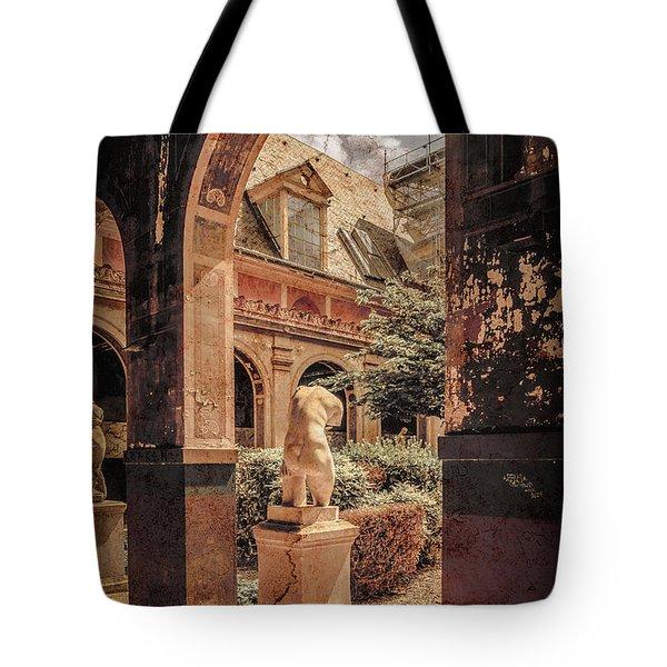 Paris, France - Courtyard East - L'ecole Des Beaux-arts Tote Bag