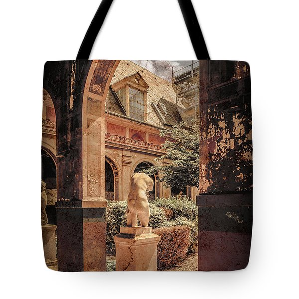 Paris, France - Courtyard East - L'ecole Des Beaux-arts Tote Bag