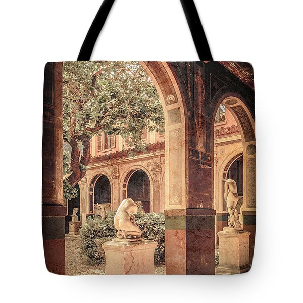 Paris, France - Courtyard West - L'ecole Des Beaux-arts Tote Bag