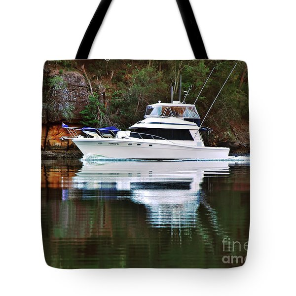 Tote Bag featuring the photograph Cruising The River By Kaye Menner by Kaye Menner