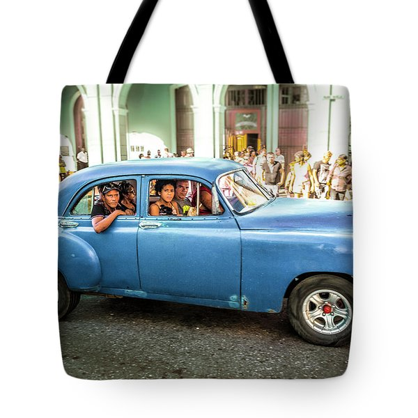 Tote Bag featuring the photograph Cuban Taxi by Lou Novick
