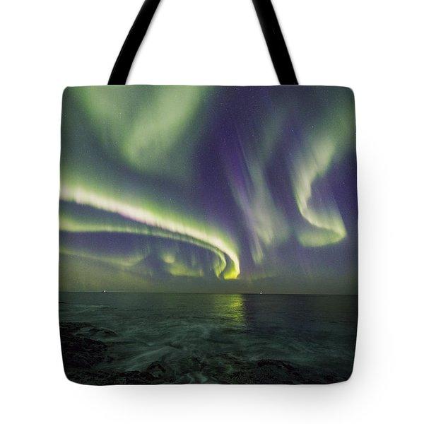 Curvy Auroras Tote Bag
