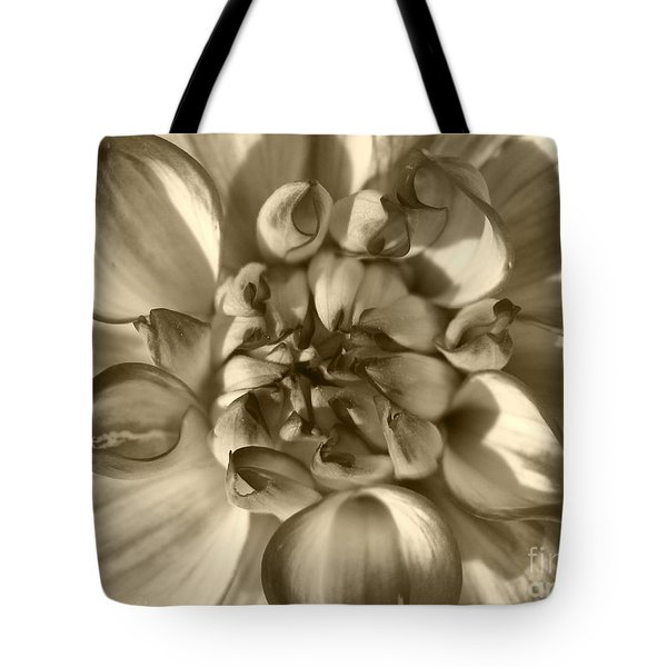 Dahlia Named Who Dun It Tote Bag
