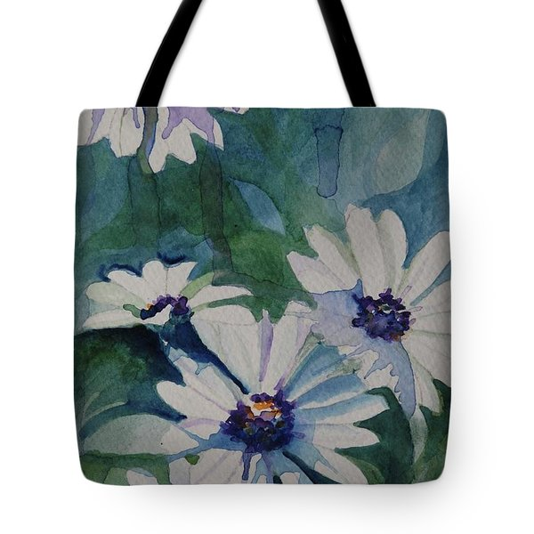 Daisies In The Blue Tote Bag by Gretchen Bjornson