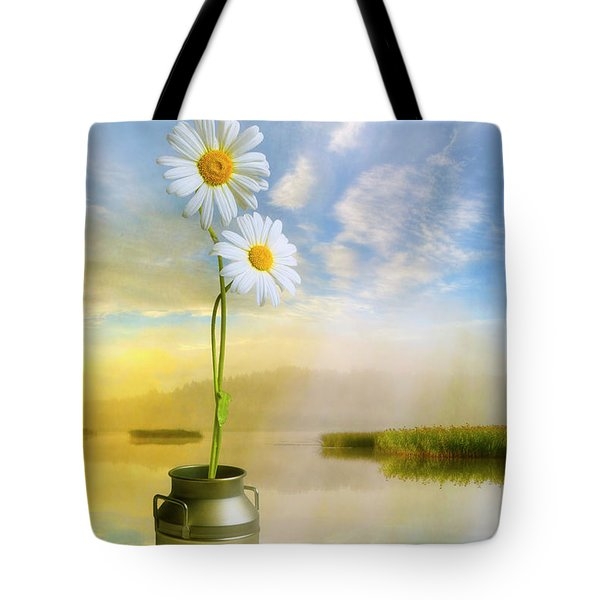 Daisies In The Summer Morning Tote Bag