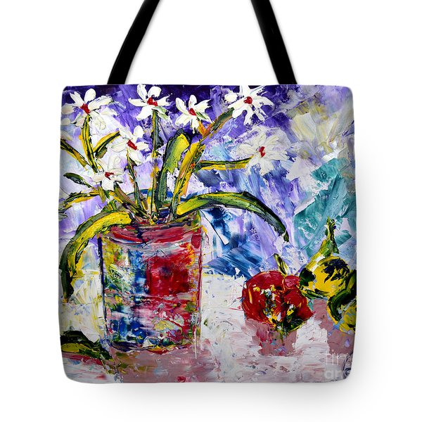 Daisies Tote Bag by Lynda Cookson