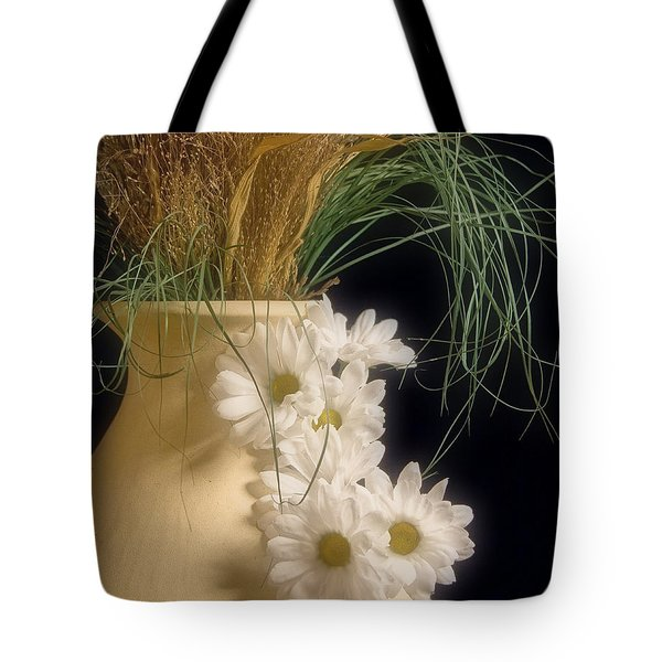 Daisies On The Side Tote Bag