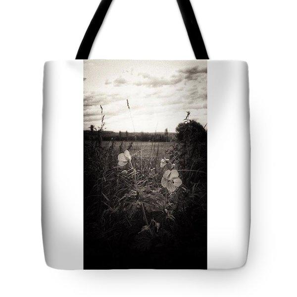 Das Blühende Leben  #lumia1520 #nokia Tote Bag
