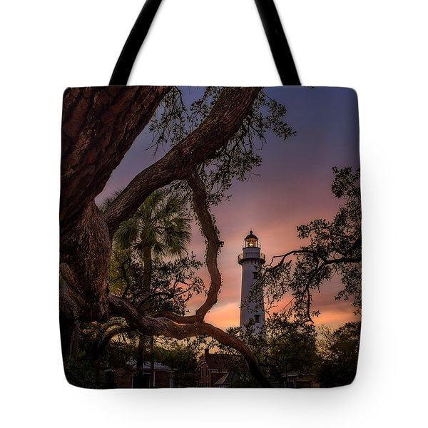 Dawn At Saint Simons Lighthouse Tote Bag