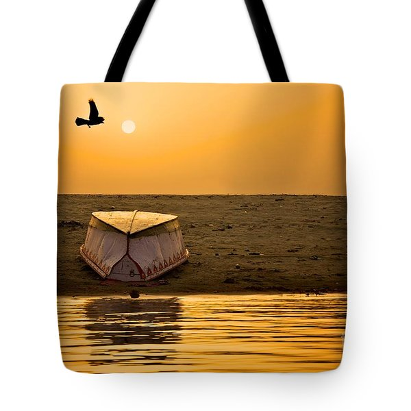 Dawn On The Ganga Tote Bag