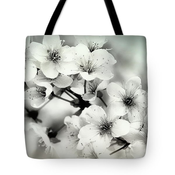 Tote Bag featuring the photograph Day Dreams by Darlene Kwiatkowski