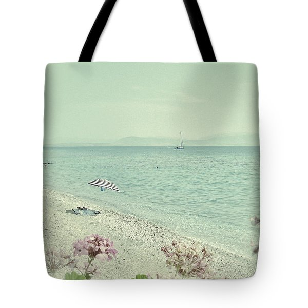 Daydream Tote Bag by Connie Handscomb
