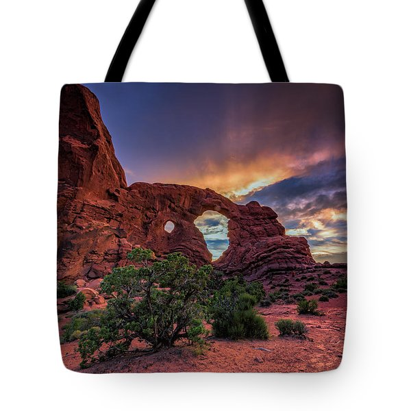 Day's End At Turret Arch Tote Bag