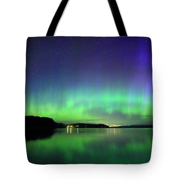 Dazzling Northern Lights  Tote Bag by Barbara West