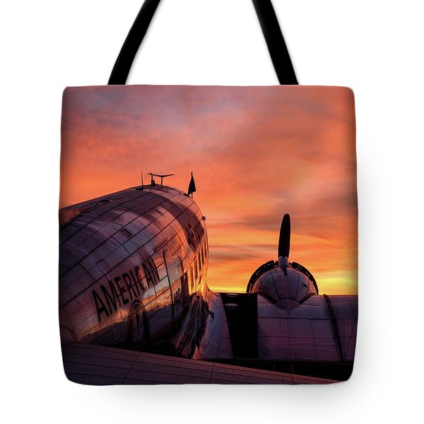 Dc-3 Dawn - 2017 Christopher Buff, Www.aviationbuff.com Tote Bag