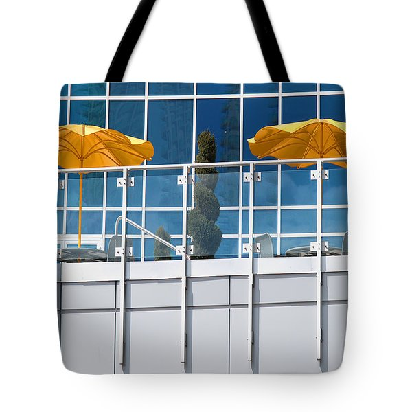 De Vormboom Tote Bag by Paul Wear