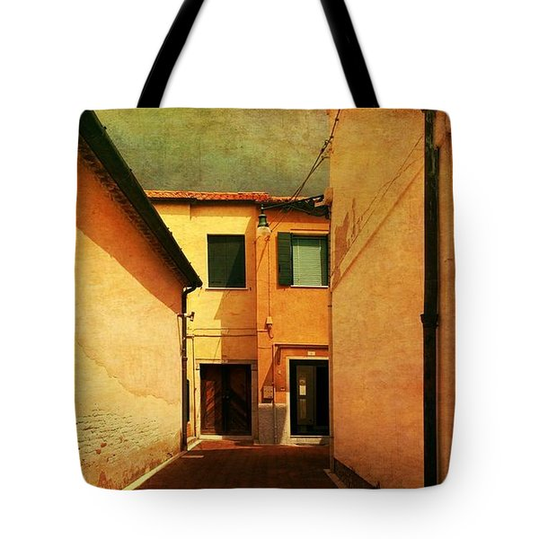 Tote Bag featuring the photograph Dead End by Anne Kotan