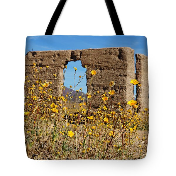 Death Valley Superbloom 404 Tote Bag