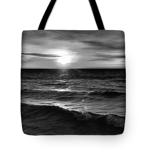 December 20-2016 Sunrise At Oro Station Bw  Tote Bag by Lyle Crump