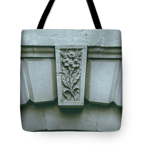 Tote Bag featuring the photograph Decorative Keystone Architecture Details K by Jacek Wojnarowski