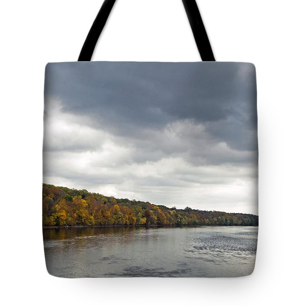 Delaware In Autumn Tote Bag